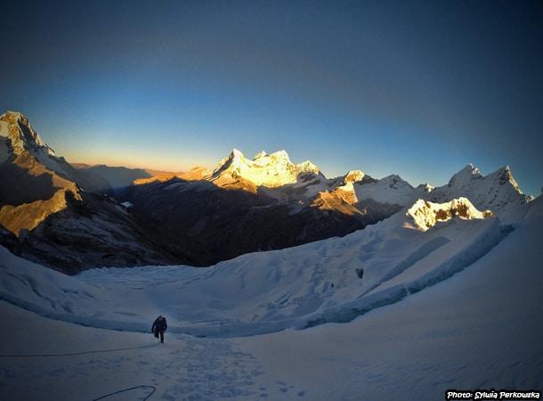 Yanapaqcha climbing in Cordillera Blanca