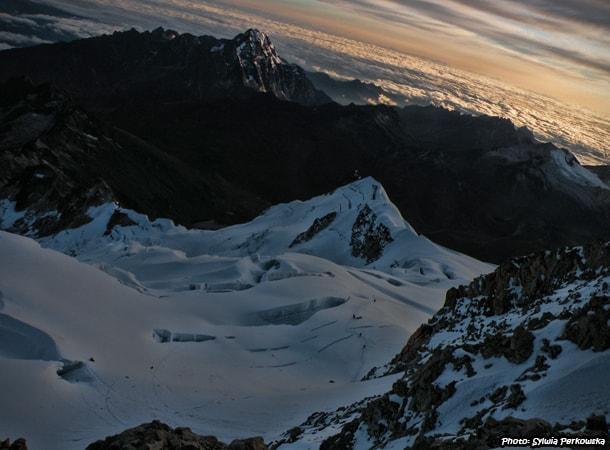 bolivian huayna potosi summit