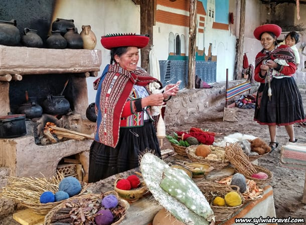 Travel to Peru and learn how to do handicraft near Cusco