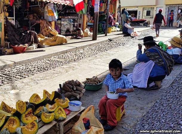 Children at work in Cuscoo Peru