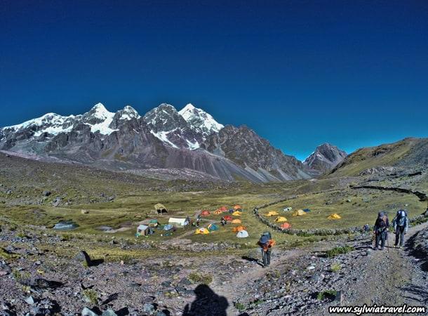 Campa-base,-Peru,-Cordillera-Vilcanota