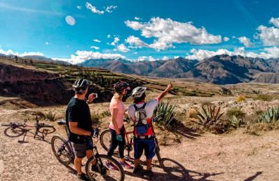 Biking tour to the best spots in Cusco region