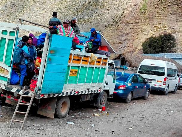 Lokalne colectivo w Andach, chociaż do wygodnych nie nalezChociaż do wygodnych nie należy, warto wypróbować w trakcie wyprawy, przynajmniej na niewielkim odcinku!