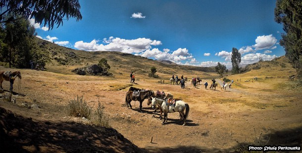 horse riding adventure near cusco