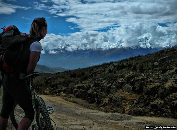 Cheap biking tour near Huaraz
