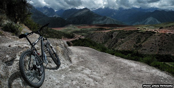 Mountain biking tour to Maras and Salineras near Cusco