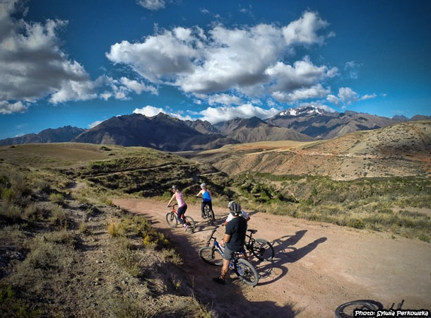 mountain biking in cusco maras salineras