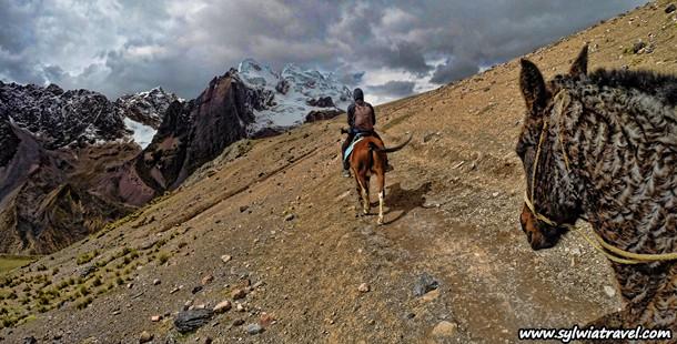 Photo Gallery from a horseback riding tour near Ausangate, Peru