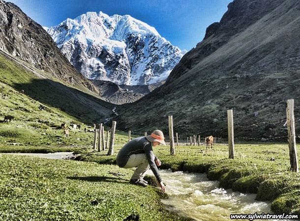 trekking to salkantay