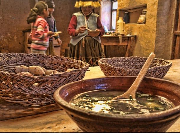 Lunch-in-Amaru-community,-Peru