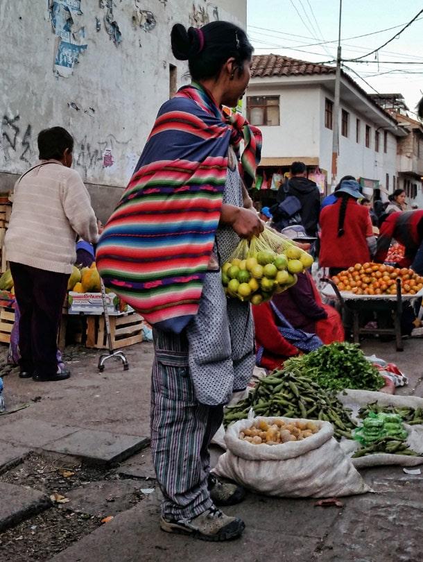 Praca-kobiet-w-Peru,-Cusco.