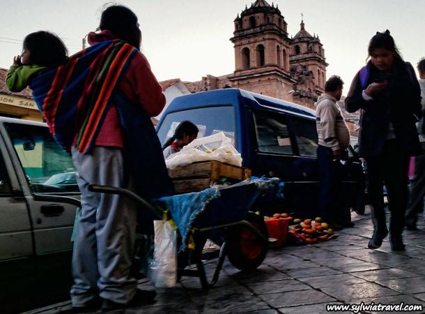 Praca-kobiet-w-Peru,-Cusco