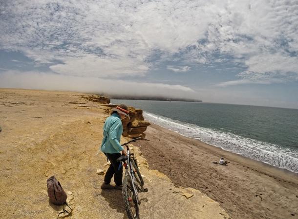 Wyprawa rowerowa w Peru po pustyni w okolicach Paracas