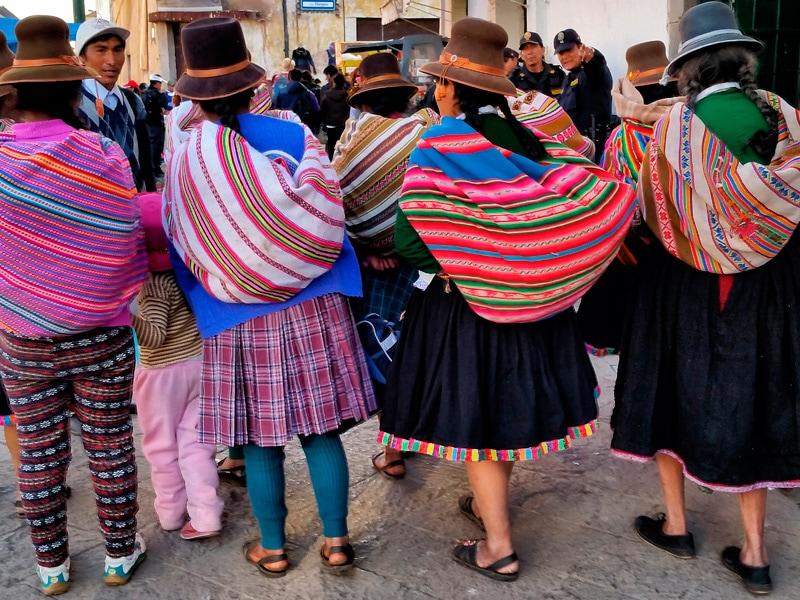 Manta jako plecak z Peru