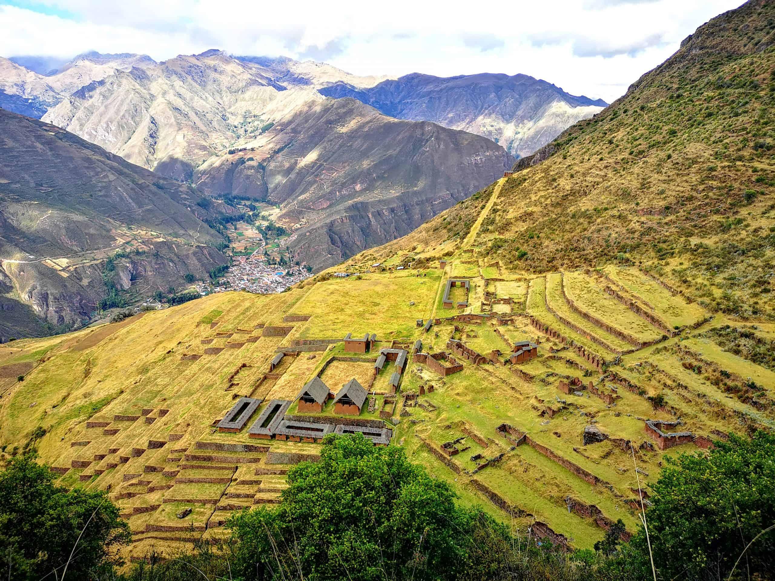 Ruiny Huchuy Qosqo w Peru