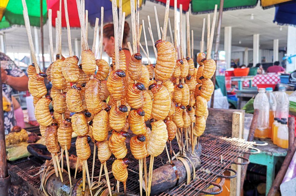 Larwy Suri w Iquitos, czyli lokalna kuchnia w Peru