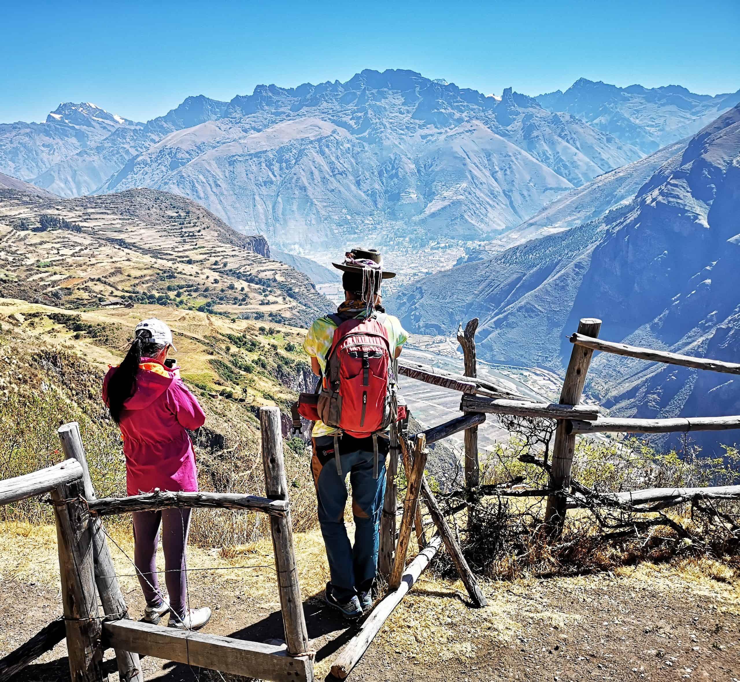 Zapachy i smaki Peru z andyjskimi widokami, inkaskimi ruinami Huchuy Qosqo